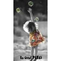 Carte Un Grand Merci Petite Fille et Bulles de Savon