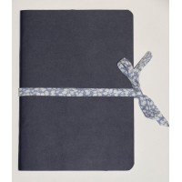 Carnet artisanal Simili Cuir Bleu marine et Lien Liberty Glenjade bleu clair